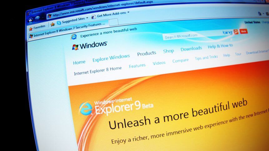 Close up of Internet Explorer home page on laptop screen