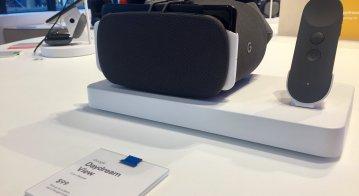 Google pop-up retail store Manhattan Flatiron sells Google Daydream mobile VR headset