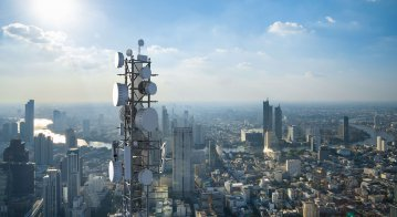 From changes to smartphone vendors' landscape to telco hyperscallers and 5G, here are the top telecom trends to watch for next year.