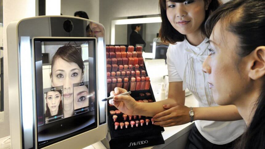 How do you test cosmetics without contact, and ideally from the comfort of home? Meet the virtual try on